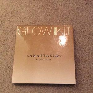 Anastasia glow palette